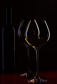 la mente è un critico wine-bottle-1004258__340